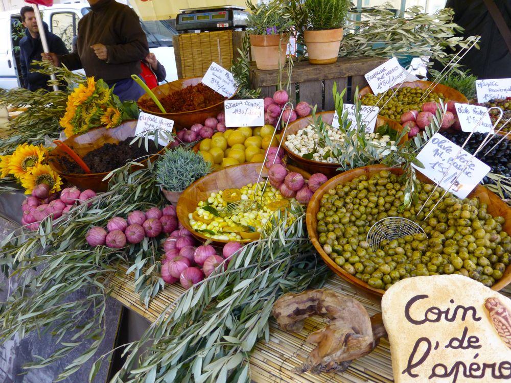 Olives-in-the-Lourmarin-Market